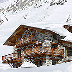 Chalet La Couchire at Independent Ski Links