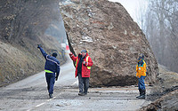 Huge Boulder Blocks the Road to Val Thorens and Les Menuires